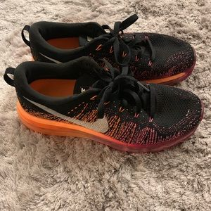 Nike flyknit max running shoes
